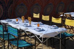 Dining-out-in-Desert